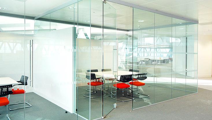 Офисные стеклянные перегородки | Компания «Зеркала-плюс»
