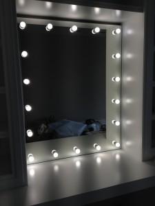 Гримерные зеркала без рам1